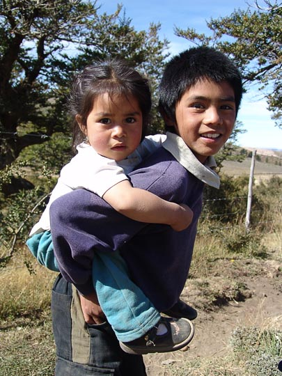 Carrying the young in Atreuco, the Neuquen province 2004