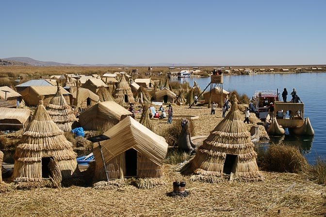 Totora reed houses and boats in the Uros Islands, Lake Titicaca 2008