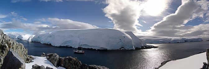 The gorgeous panorama of the Melchior Islands, 2004