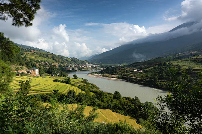 A view towards Punakha along the Puna Tsang Chu, 2018