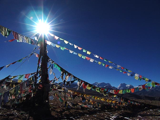 Prayer flags in Thang La (5,050m), 2004