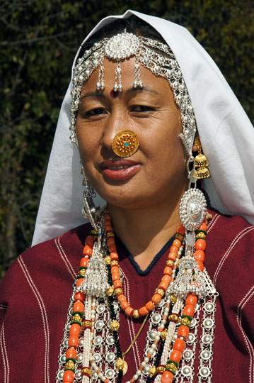 Rung woman in traditional dress, Roong-Teejya 2011