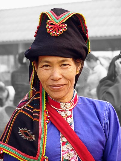 A Thai Dam Hill Tribe woman, Muang Sing 2007 (Grey-scale background)