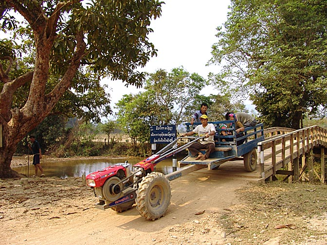 Local transportation on the way to Poukham cave, Vang Vieng 2007