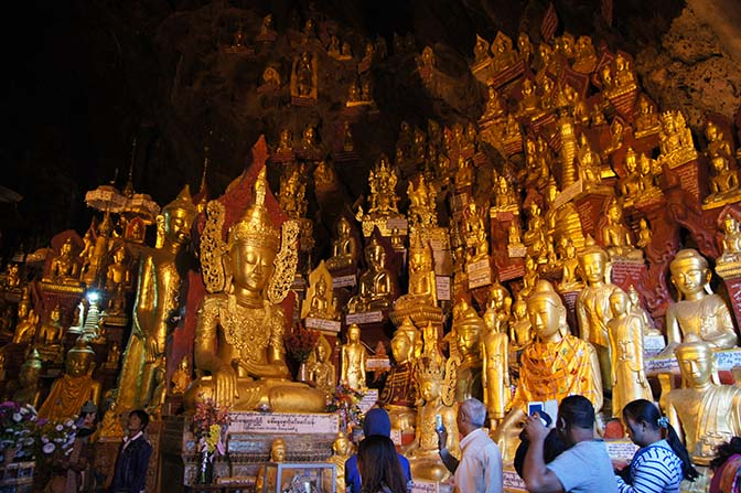 Golden Buddha images inside the Shwe Oo Min Natural Cave Pagoda, Pindaya Caves 2015