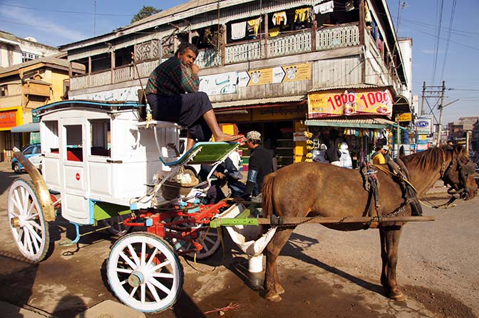 Local horsedrawn transport, Pyin Oo Lwin 2016