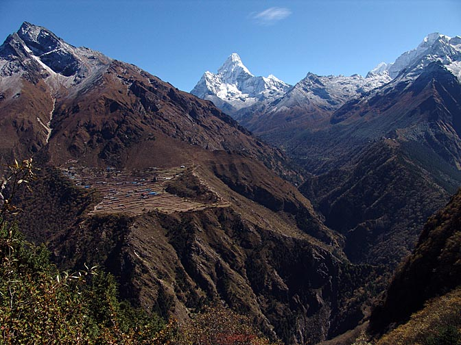 The landscape between Khumjung and Dole, with Tengboche in the opposite, 2004