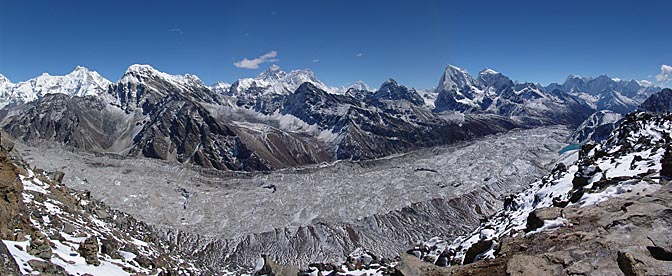 A breathtaking panoramic landscape from Gokyo Ri, 2004