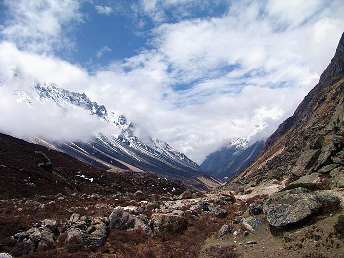 The view of the Ghunsa valley, on way to Lhonak, 2006
