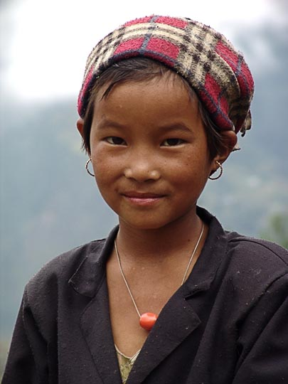 A Nepali girl between Shivalaya to Deurali, along the Khumbu Trail to the Everest, Nepal 2004