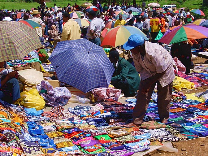 The colorful market of Nairobi, Kenya 2000