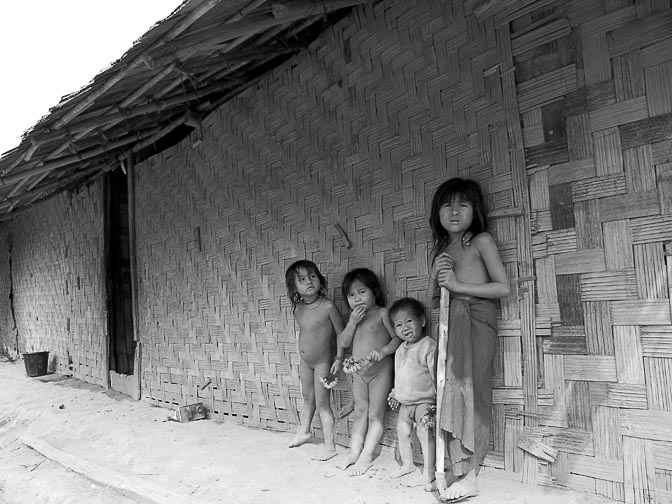 Local kids on the way to Poukham cave, Vang Vieng 2007 (Monochromatic light)