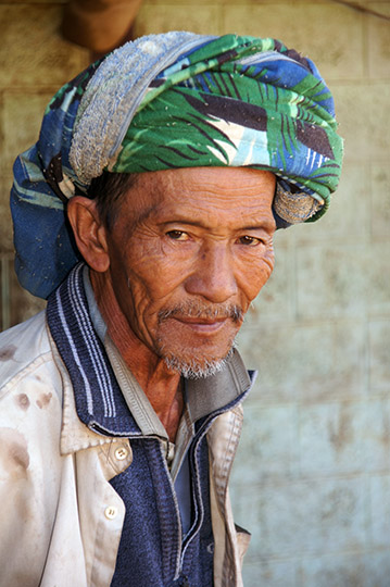 Palaung tribe man in Hin Kha Kone village, Kalaw to Inle Lake trek 2015