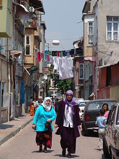 Rural atmosphere in the stone paved narrow streets of the Balat quarter, by the Golden Horn bank, 2006