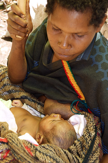 Breast feeding in the market, Goroka 2009