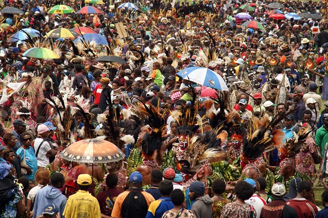 The crowded showground at The Goroka Show 2009
